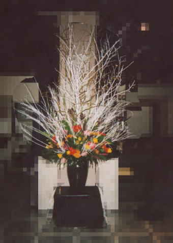 白塗り枝のアレンジメント